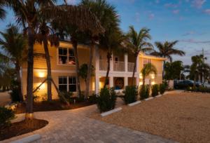 escape hotel Resort & marina entrance